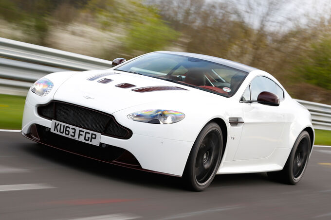 Aston Martin V12 Vantage S, Front view