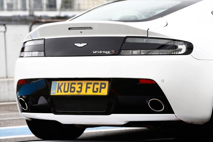 Aston Martin V12 Vantage S, Rear, Exhaust