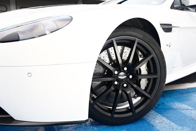 Aston Martin V12 Vantage S, Wheels, Rims