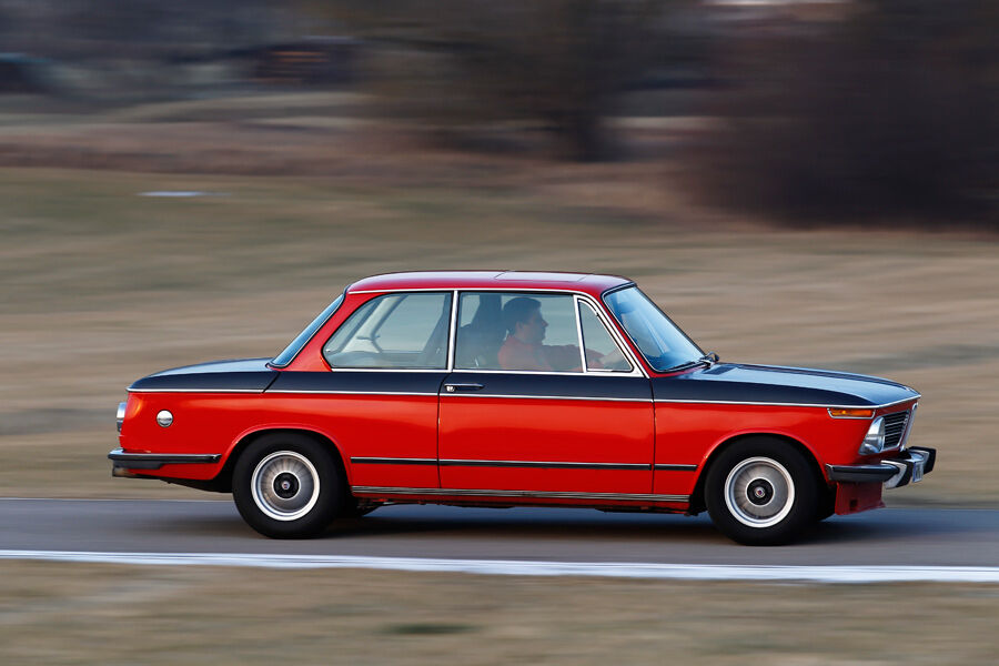 bmw 2002 tii bmw 2002 tii modern design by bmw 2002 tii. Black Bedroom Furniture Sets. Home Design Ideas