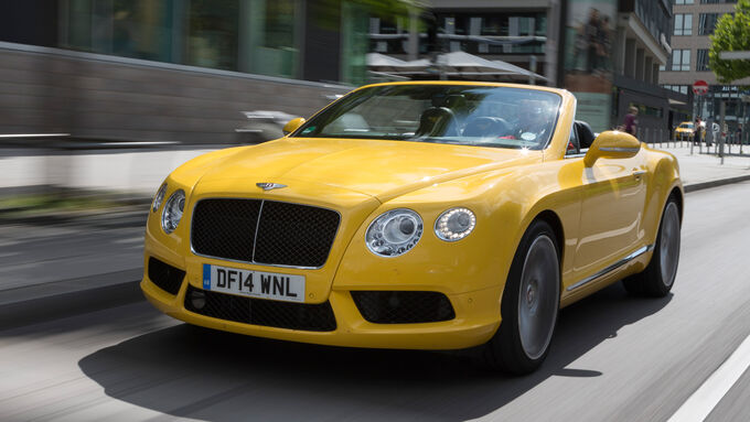Bentley Continental GTC V8, Front view