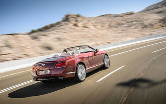Bentley Continental GTC V8, Heckansicht