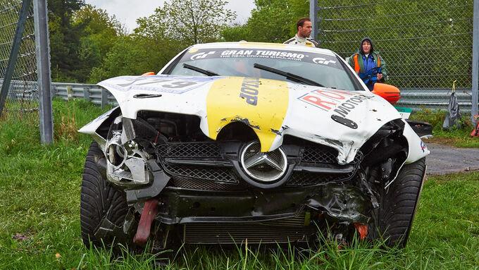 Crashs  Defekte - 24h Rennen Nürburgring 2013