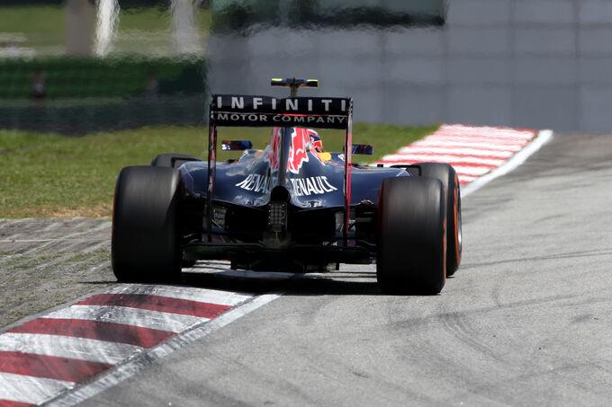 http://img2.auto-motor-und-sport.de/Daniil-Kvyat-Red-Bull-Formel-1-GP-Malaysia-28-Maerz-2015-fotoshowImage-78a32850-853304.jpg