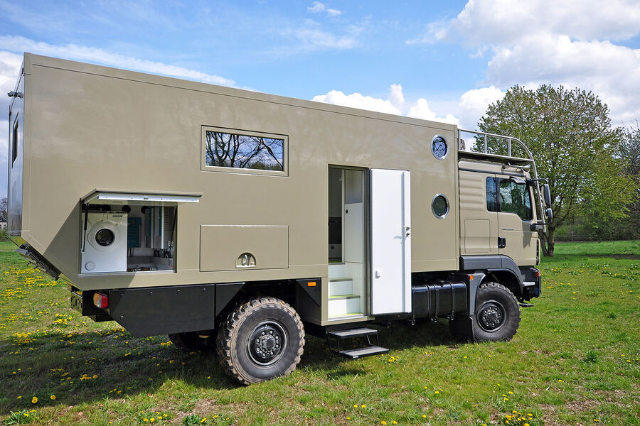 Extreme 6X6 Expedition Vehicles