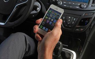 Fast jeder vierte Deutsche hat schon einmal Benzinpreis-Apps oder Preisvergleichsseiten genutzt.