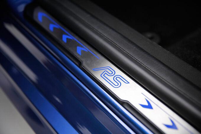 Ford Focus RS 2015, Einstiegsleisten