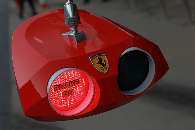 Formel-1-Test-Barcelona-01-03-2012-Ferrari-fotoshowImage-1273d8c7-574192.jpg