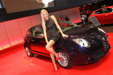 Girls Autosalon Genf 2012