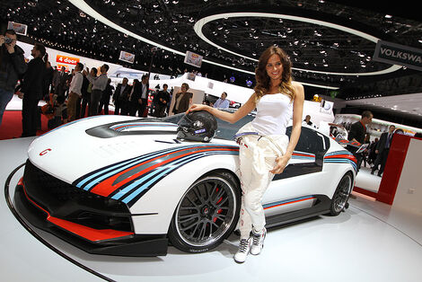 Girls Autosalon Genf 2034