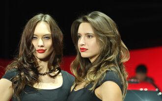 Girls Detroit Motor Show