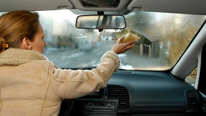 In winter, air-conditioning helps against fogged glass.