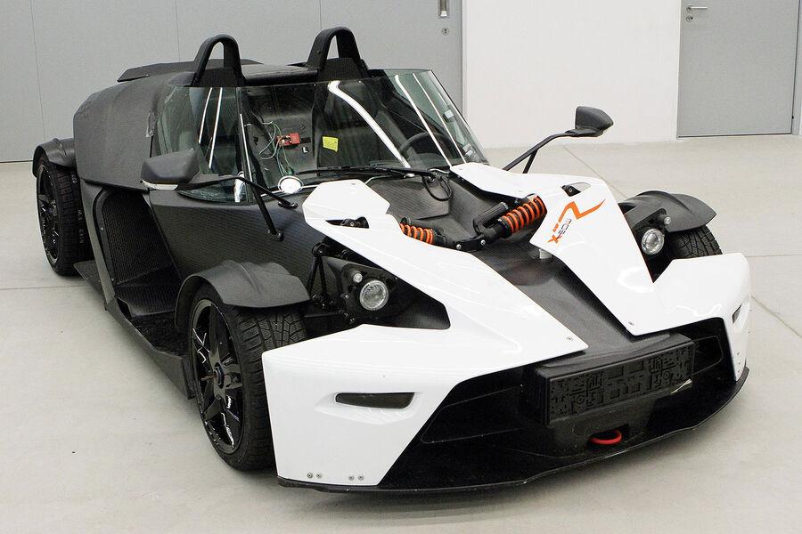 ktm x bow gt in genf erste fahrt mit frontscheibe auto motor und sport. Black Bedroom Furniture Sets. Home Design Ideas