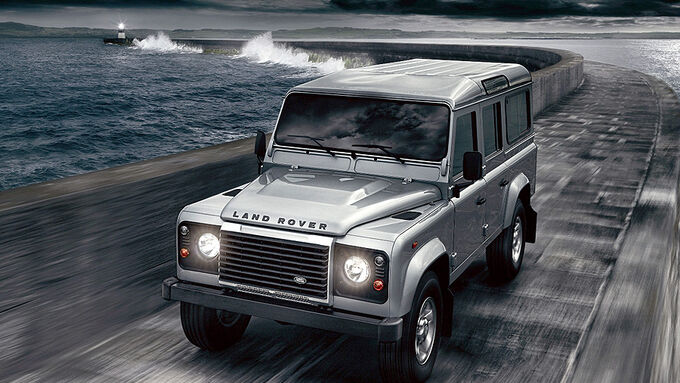 Land Rover Defender 2012