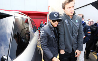 Hamilton verfehlt Rosbergs Bestzeit