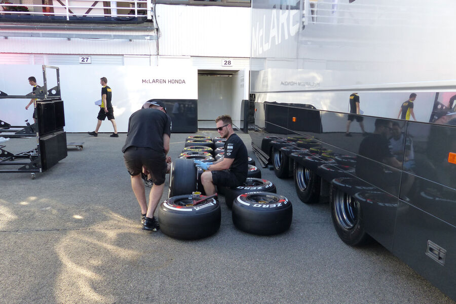 [Imagen: McLaren-Honda-GP-Ungarn-Budapest-Mittwoc...884220.jpg]