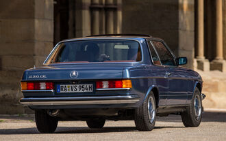 Mercedes-Benz C123, Heckansicht