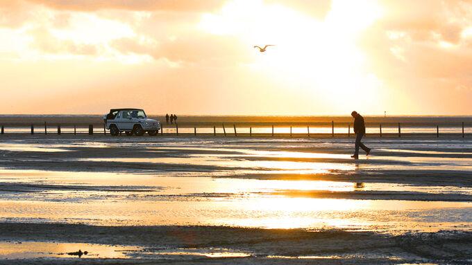 Mercedes G 500 Cabrio, Seitenansicht, Sonnenuntergang