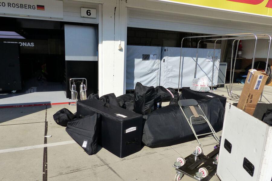 [Imagen: Mercedes-GP-Ungarn-Budapest-Mittwoch-22-...884180.jpg]