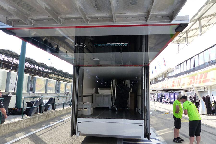 [Imagen: Mercedes-GP-Ungarn-Budapest-Mittwoch-22-...884181.jpg]