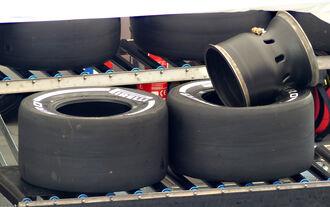 Panik im Reifenlager