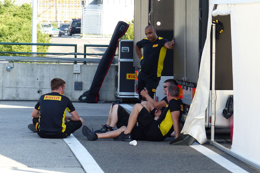 [Imagen: Pirelli-GP-Ungarn-Budapest-Mittwoch-22-7...884166.jpg]