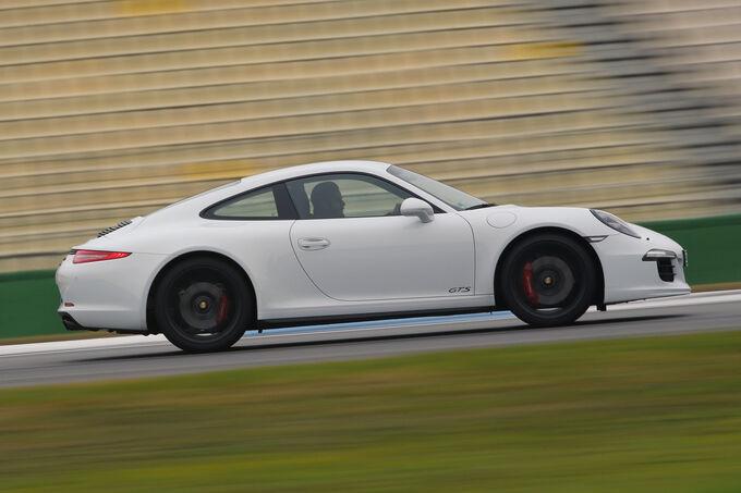 Porsche 911 Carrera GTS, Side view