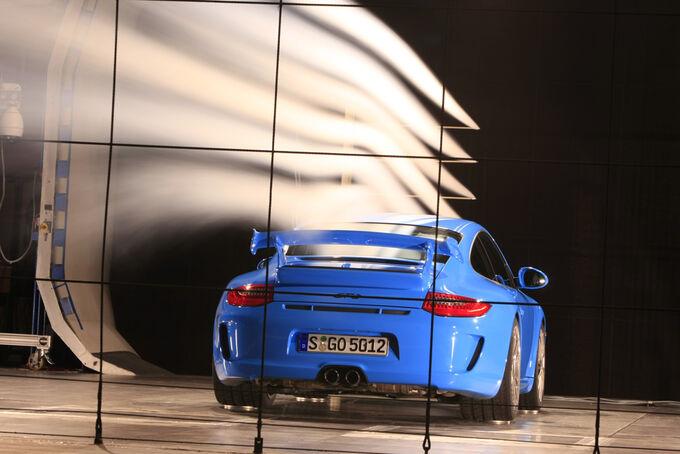 [Bild: Porsche-911-GT3-fotoshowImage-9ff3198a-245986.jpg]