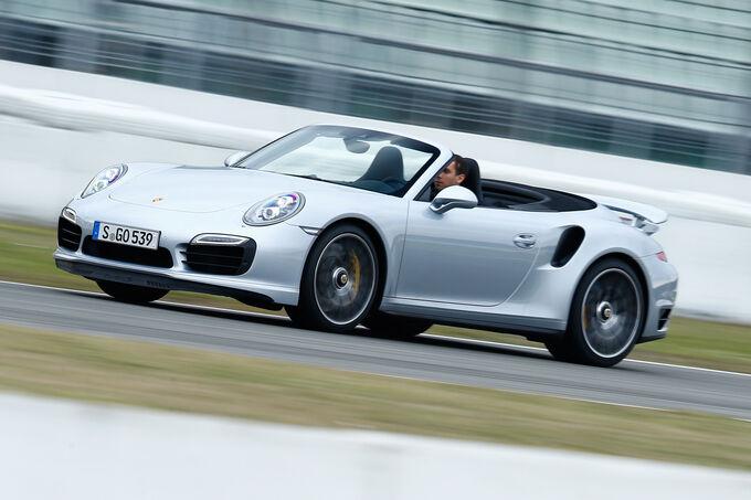 Porsche 911 Turbo S Cabriolet, Front view