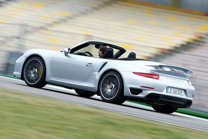 Porsche 911 Turbo S Cabriolet, Rear view