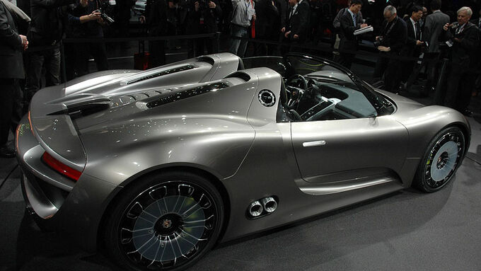 porsche 918 spyder auf dem genfer autosalon carrera gt nachfolger mit hybrid. Black Bedroom Furniture Sets. Home Design Ideas