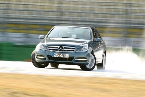 Serienfahrzeuge Limousinen bis 50 000 € - Mercedes C 350 CGI