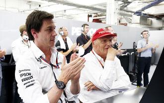 Toto Wolff Niki Lauda - Mercedes - Formel 1 - GP Bahrain - 18. April 2015