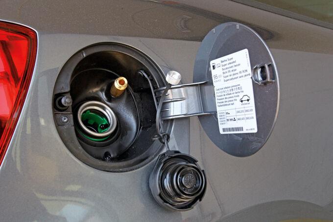 VW-Polo-1-6-BiFuel-Tankdeckel-Tankstutze